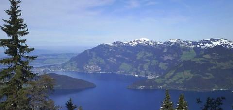 Los Alpes. Lago de los 4 Cantones