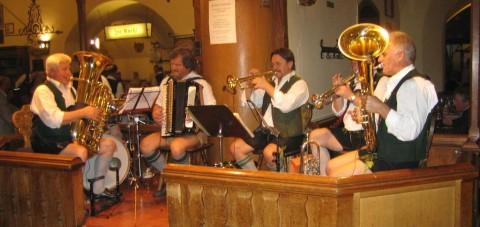 Música en directo en la Hofbrauhaus