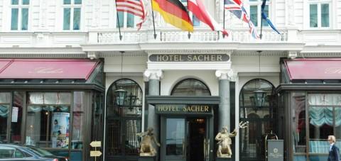 Viena. Entrada del Hotel Sacher
