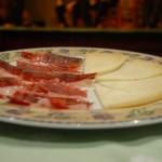 Una tapa de Jamón y queso