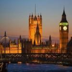 Parlamento al anochecer