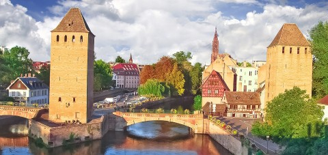 Strasburg. Torres